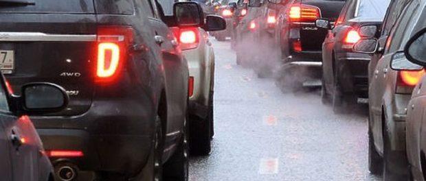 Ученые поведали, как рискуют здоровьем владельцы автомобилей в уличных пробках