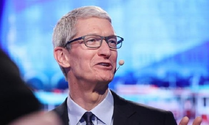 Apple принудила Тима Кука летать только начастных самолётах